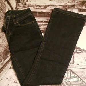 NWOT The Limited 312 size 2 dark wash Jeans